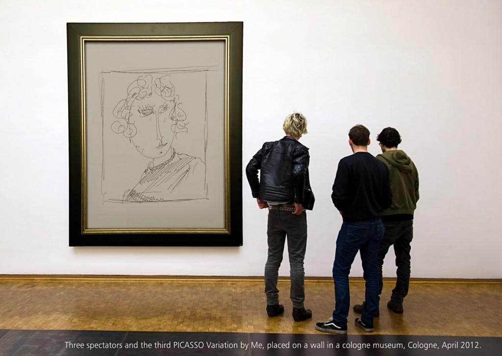 Ausgestellte dritte Picasso Variation mit drei realen Beobachtern Seite 28 aus: Marcellus M. Menke, MeandMeandMe, Some circumspective Picasso Variations, ScreenBOOK, Cologne Edition 2012