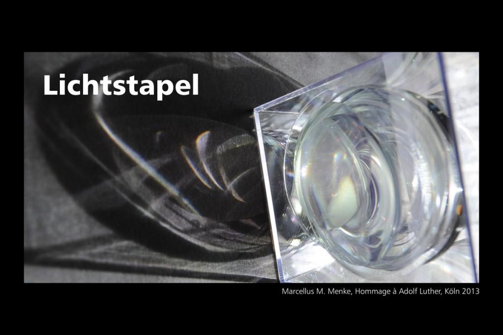 Marcellus M. Menke: Lichtstapel. Elf Variationen eines Themas. Variation 10. Ausbelichtete Digitalphotographien, 20 x 30, signiert und nummeriert, Köln 2013