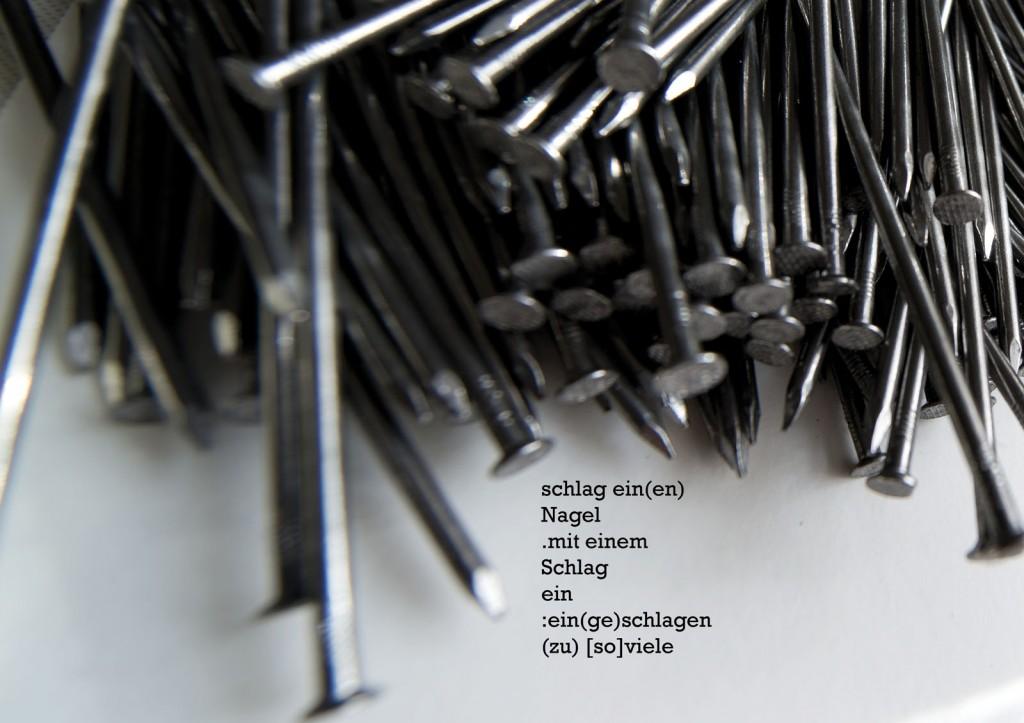 """Marcellus M. Menke: """"Still liegende Nägel"""". Photographie mit gesetztem Text, Köln 2014. m4ART-ScreenBook, Seite 9."""
