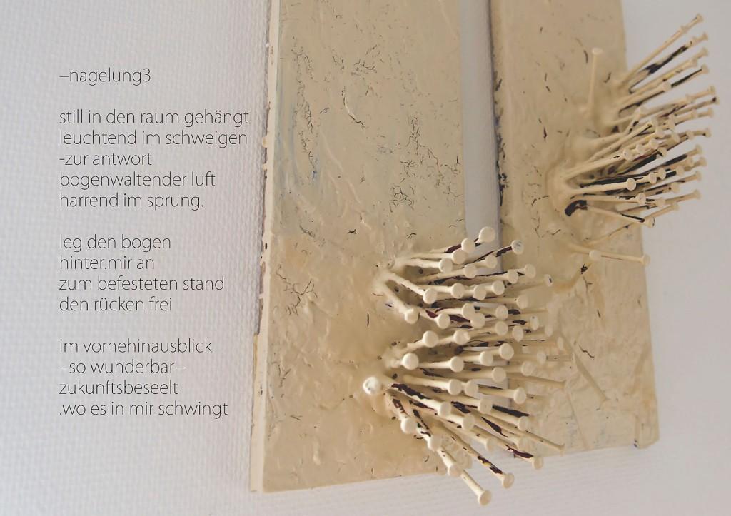 Marcellus M. Menke: -nagelung3. Photographiertes Objekt mit gesetztem Text. Seite 11 des m4art screenBooks, Gelsenkirchen-Buer, Köln, Siegen 2014