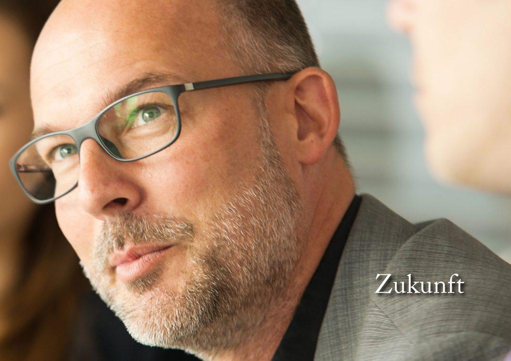 Marcellus M. Menke: Some Portraits of Tobias Wunsch, m4art screenBook, Hamburg und Köln 2016, Seite 2