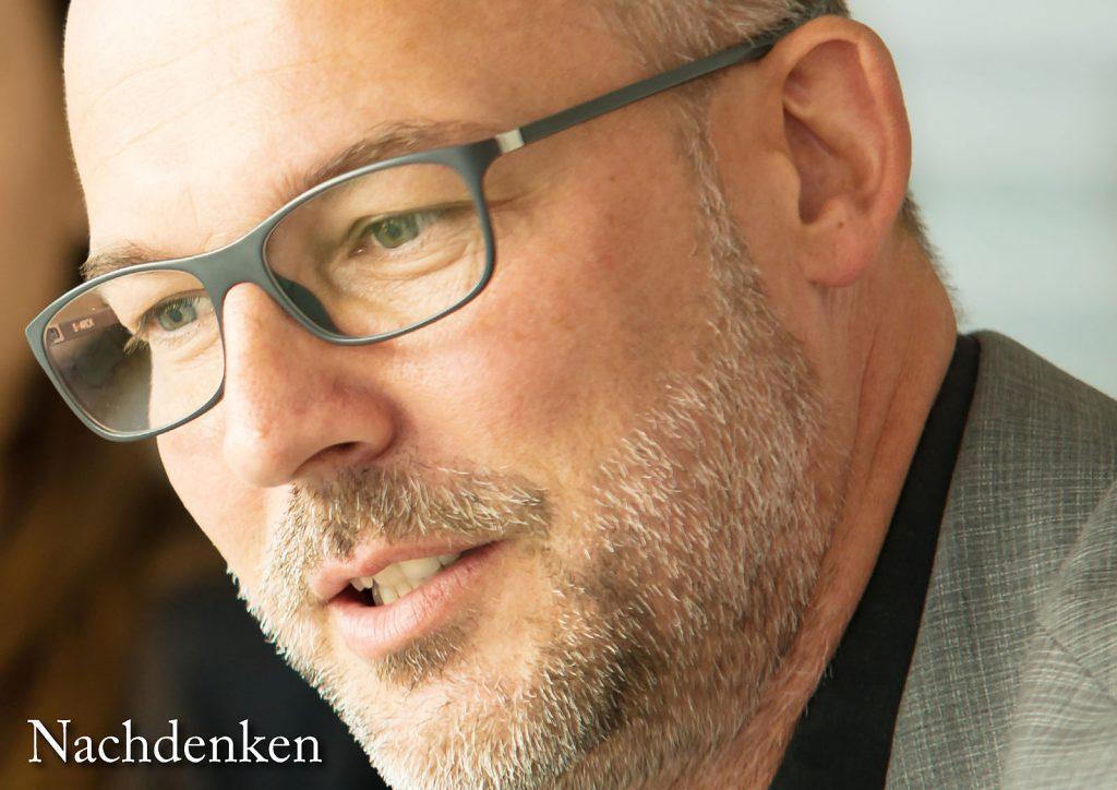 Marcellus M. Menke: Some Portraits of Tobias Wunsch, m4art screenBook, Hamburg und Köln 2016, Seite 5